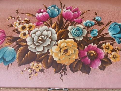 Vintage Floral Ottomon