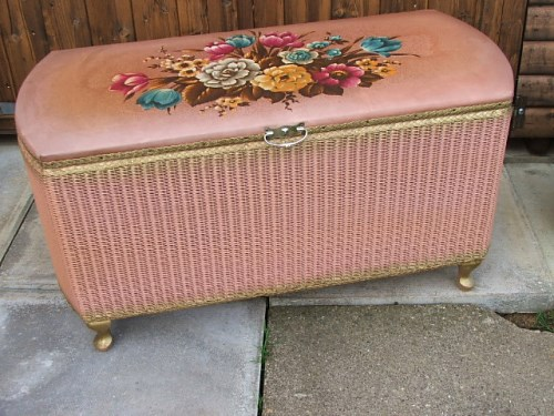 Dusty Pink Floral Wicker Ottomon