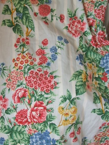Pretty Vintage Floral Curtains
