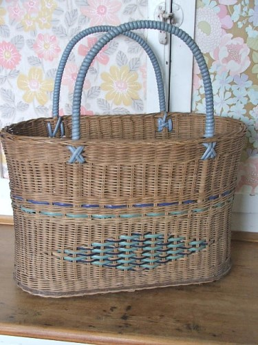1960's Shopping Basket