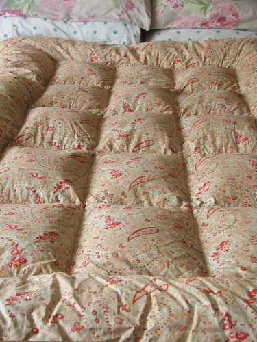 Vintage Single Floral Eiderdown