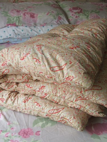 Small Vintage Eiderdown