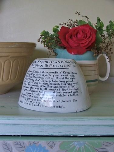 Old Vintage Pot Jelly Mould