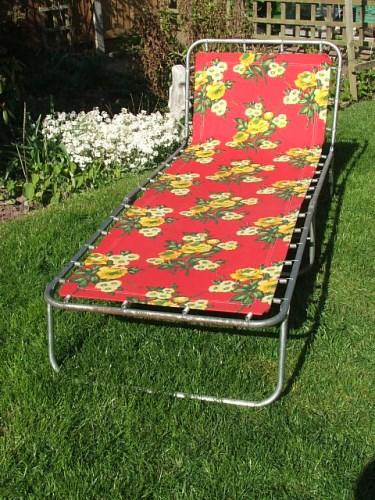 Retro Floral Sun Lounger