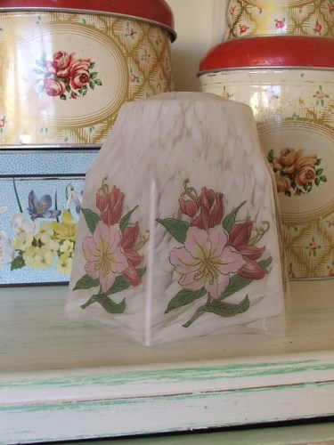 Pretty vintage floral glass lampshade