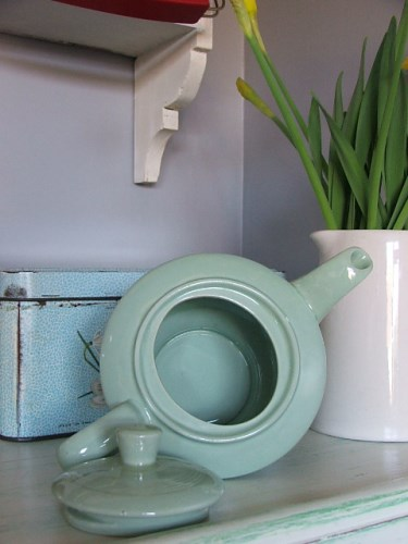 Vintage 'Beryl' Woods Ware Teapot