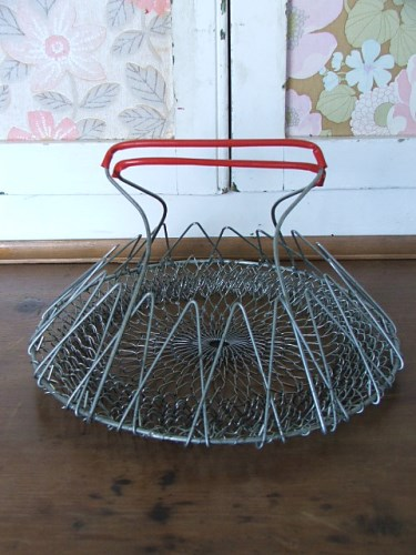 Wire Folding Egg Basket