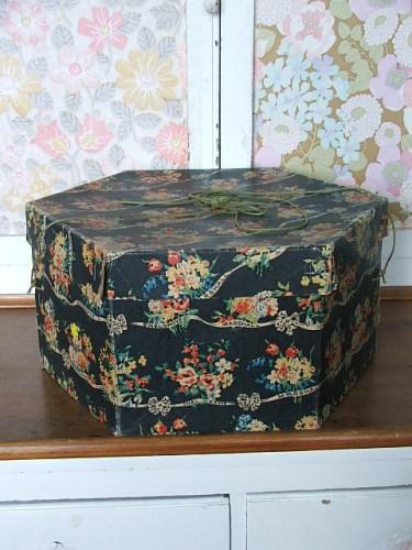 Vintage Marshall & Snelgrove Hat Box