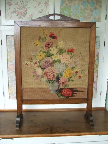 Pretty Vintage Floral Tapestry firescreen