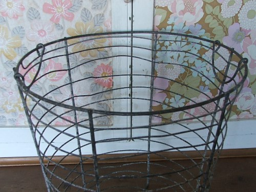 Old Round Wire Basket