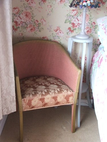 Vintage Dusty Pink Lloyd Loom Style Wicker Chair