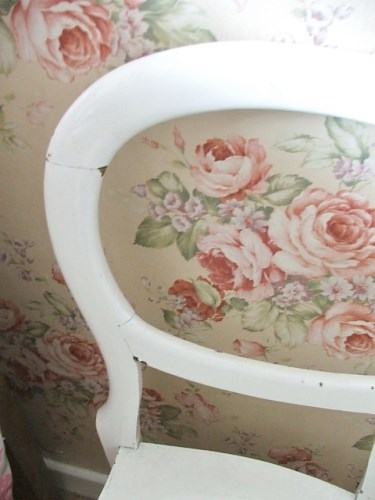 Chippy white wooden painted chair