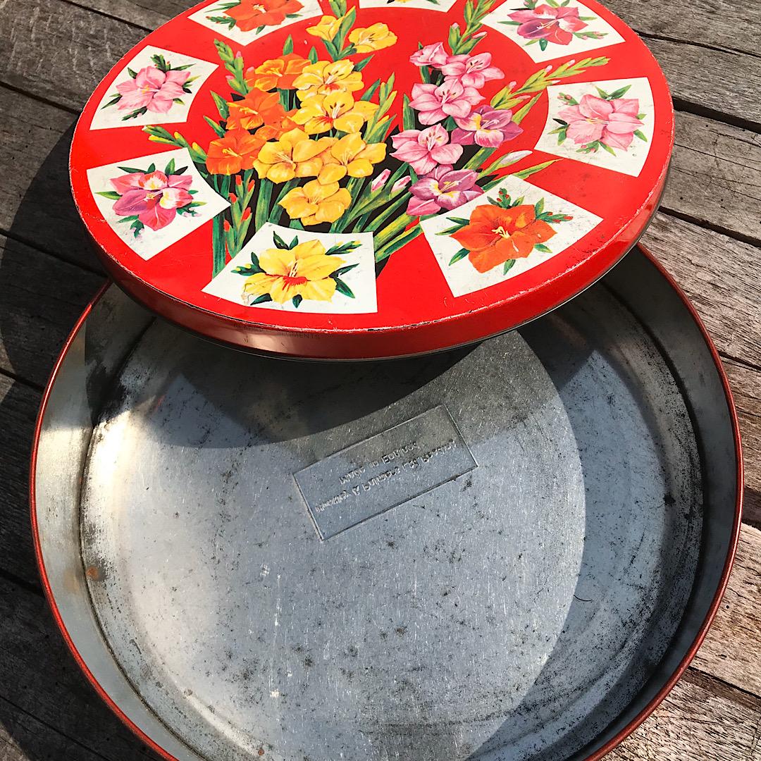 Pretty Circular Floral Tin