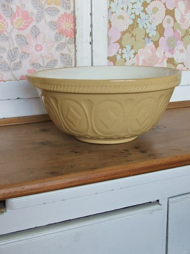 Old Mixing/Baking Bowl