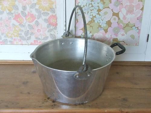 Vintage Jam Pan