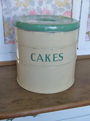 Vintage Cakes Tin