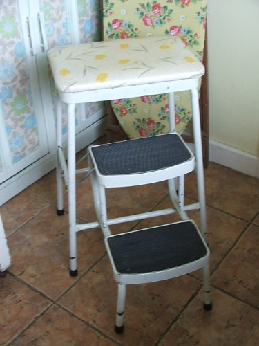 Retro Step Stool