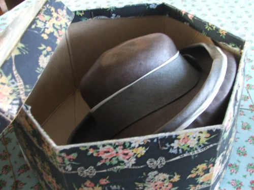 Vintage Snelgrove and Marshall Hat Box