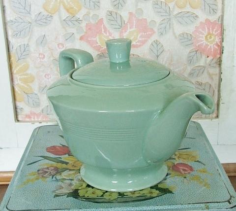 'Beryl' Woods Ware Teapot